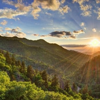 THE BEST OUTDOOR ACTIVITIES IN THE SMOKIES